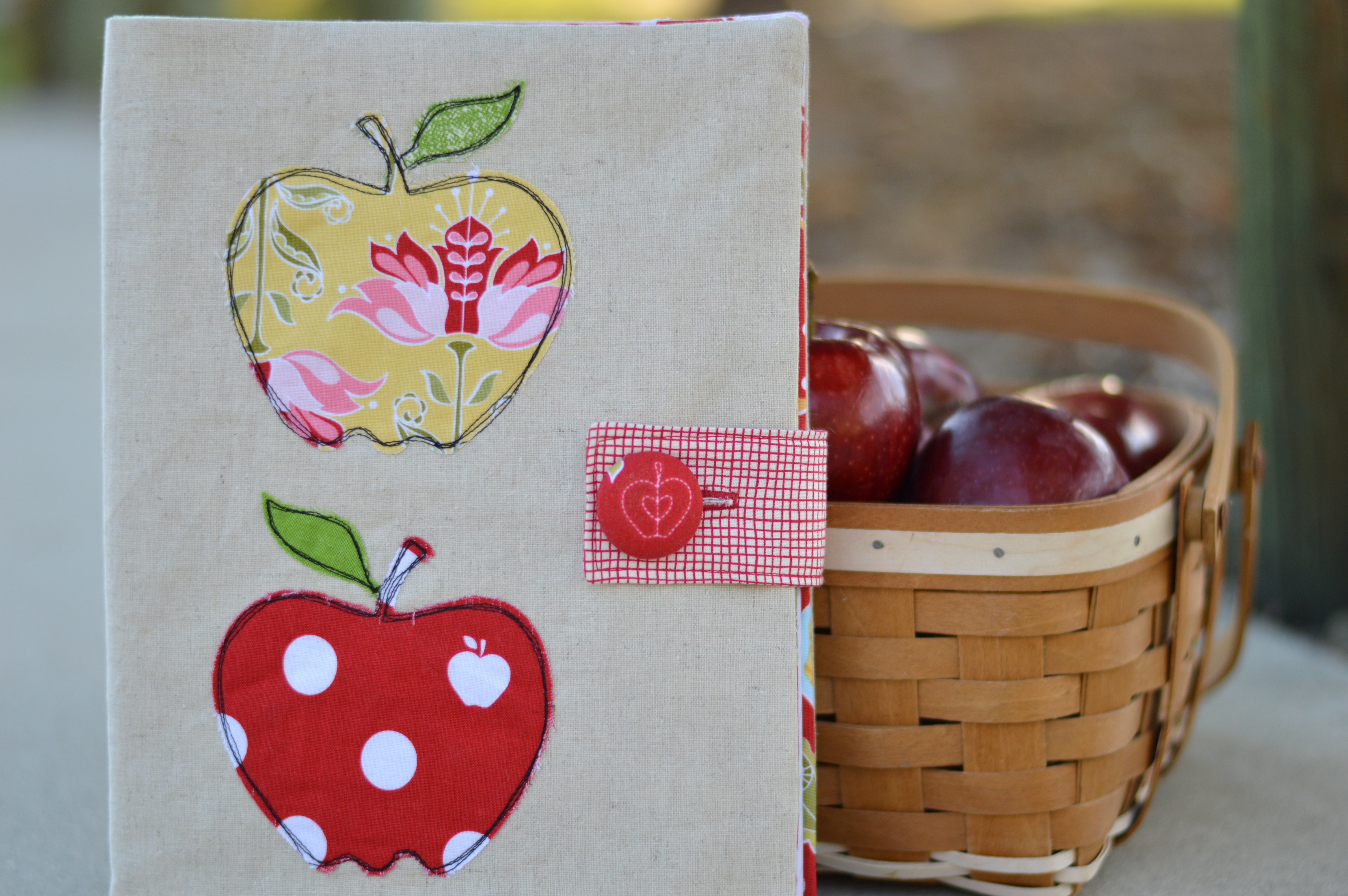apple applique composition book 3