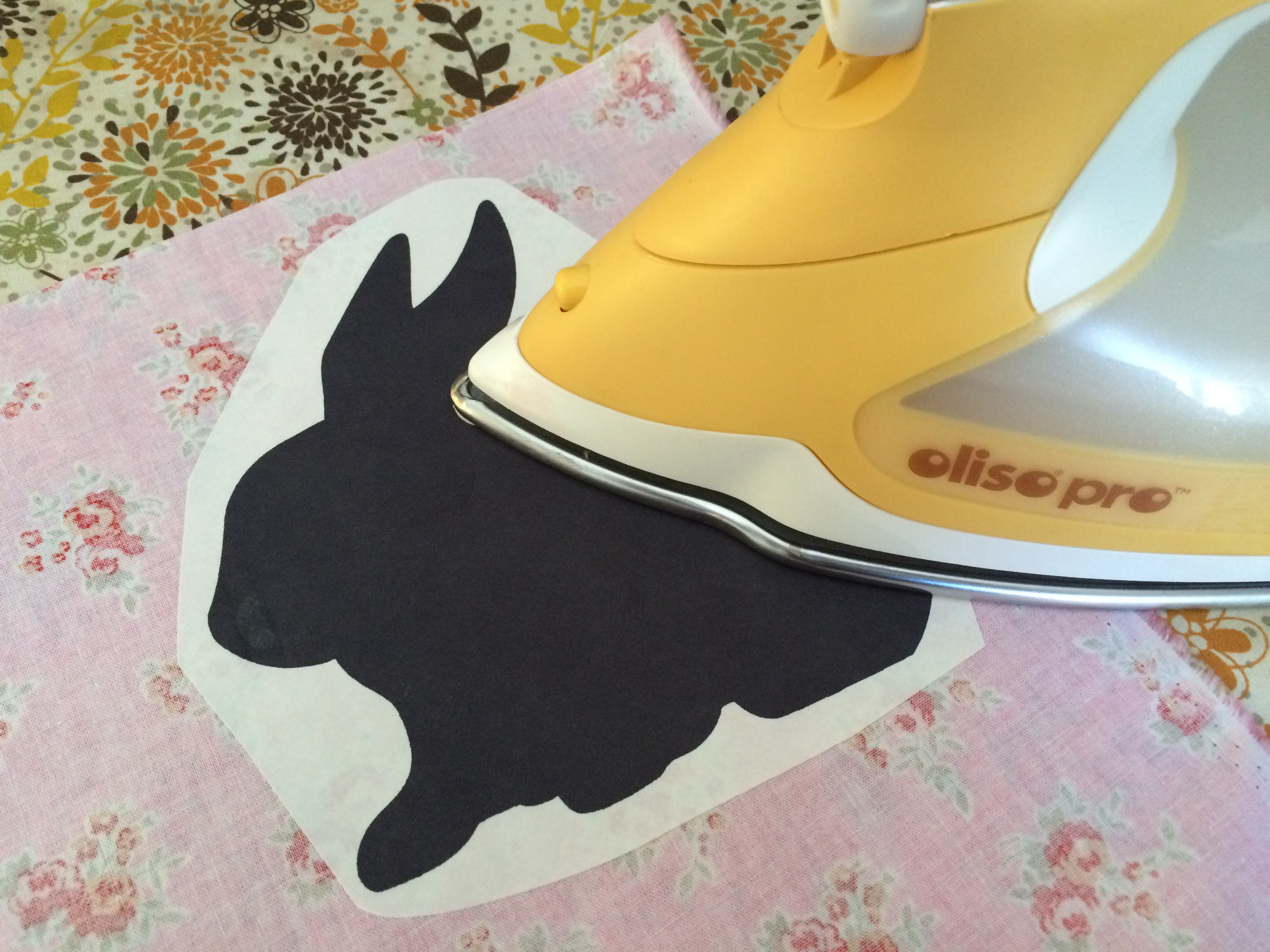 bunny applique pillow and quilt 24
